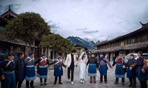 丽江拍婚纱照多少钱_丽江拍婚照完全攻略